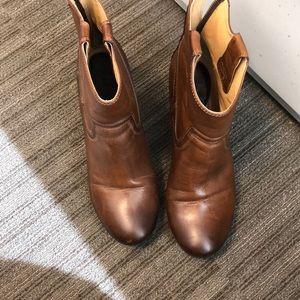 Frye Carson wedge boot